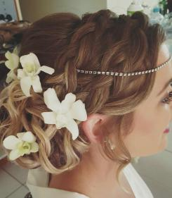 Bridal hairstyle cairns